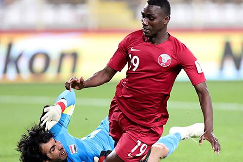 قطر تتخطى العراق بهدف نظيف وتبلغ ربع النهائي