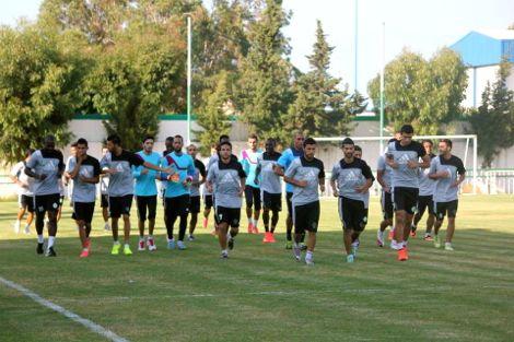 24 لاعبا في لائحة الرجاء المتوجهة إلى اسبانيا