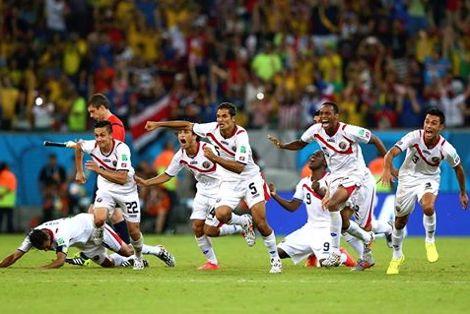 """كوستاريكا تُقصي """"فلاسفة اليونان"""" لتواجه هولندا في الربع"""