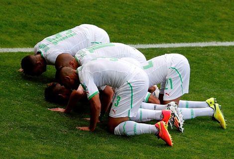 نقابة الأئمة في الجزائر تطالب المنتخب بصوم رمضان في المونديال