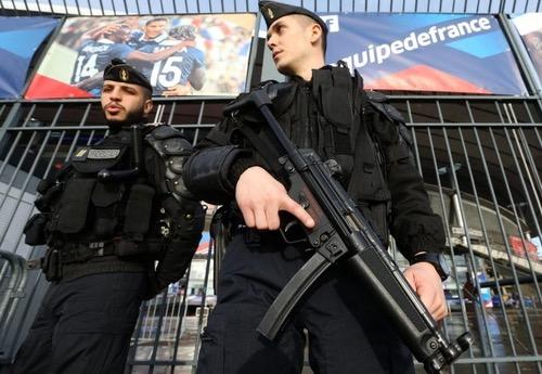 الأخطاء الأمنية في نهائي كأس فرنسا لكرة القدم تدق ناقوس الخطر قبل يورو 2016