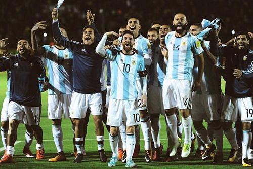 الجامعة تناقش الجانب التنظيمي لودية الأرجنتين.. وأثمنة التذاكر من اختصاصها