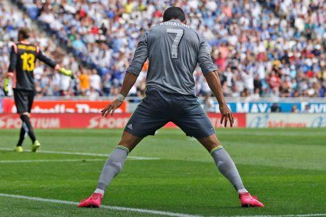 كريستيانو يتخطى راؤول ويصبح الهداف التاريخي للريال في الليغا