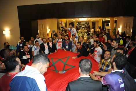 """دموع وفرح """"جنوني"""" لبعثة المغرب التطواني بعد التأهل لدور المجموعات"""