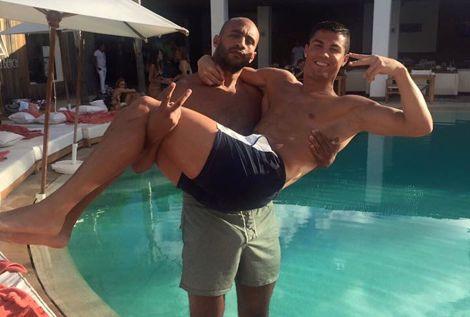 """رونالدو من مراكش: """"مُستمتع بوقتي في المغرب مع أصدقائي"""
