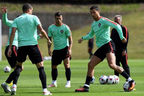 البرتغال في مواجهة صلابة بولندا للفوز ببطاقة التأهل لنصف نهائي أمم أوروبا
