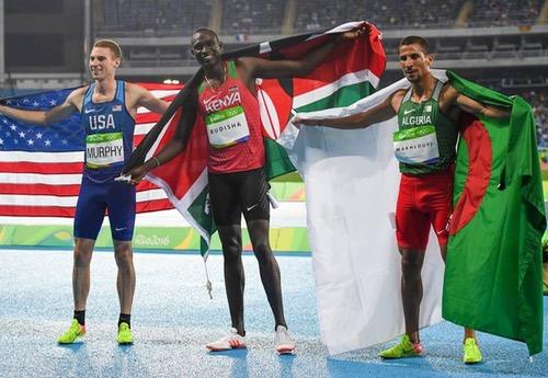 مخلوفي يهدي الجزائر فضية 800 متر