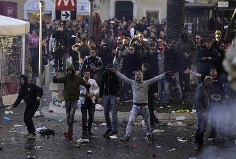 شغب جماهير فينورد يكلف روما 5 ملايين يورو