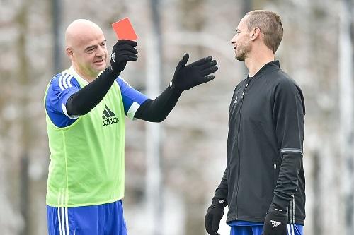 الفيفا والويفا يعلنان موقفهما من بطولة دوري السوبر الأوروبي لكرة القدم