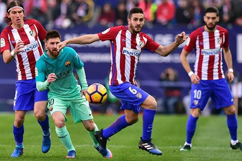 """صدام ناري بين برشلونة وأتلتيكو مدريد والريال في اختبار صعب في """"الباسك"""""""