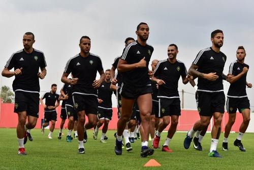 الفريق الوطني يجري ثاني حصة تدريبية استعدادا للطوغو.. ولقجع يدعم اللاعبين