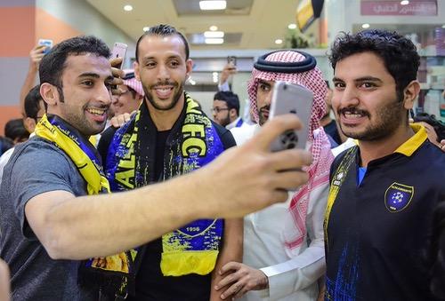 """بعد فسخ عقده مع """"التعاون"""" السعودي.. الحمداوي ينهي موسمه مع فريق هولندي مغمور"""