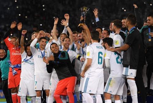 رونالدو يقود ريال مدريد للتويج بلقب كأس العالم للأندية بفوزه على غريميو البرازيلي في النهائي