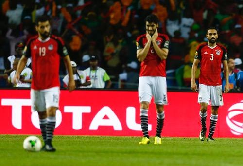 """أوغندا تهزم """"فراعنة مصر"""" وتتصدر المجموعة الخامسة في التصفيات المؤهلة لكأس العالم"""