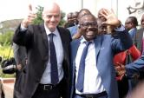 رئيس غانا يأمر بالقبض على غاني عضو في  FIFA ونائب رئيس الـ CAF بتهم الفساد