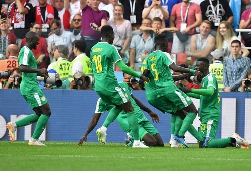 خطأ دفاعي وهدف عكسي يقودان السنغال للفوز على بولندا بكأس العالم