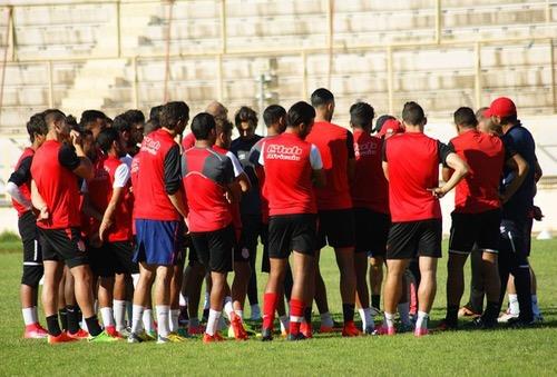 النادي الإفريقي يصل إلى المغرب ويستعد للفتح الرباطي بحصتين تدريبيتين