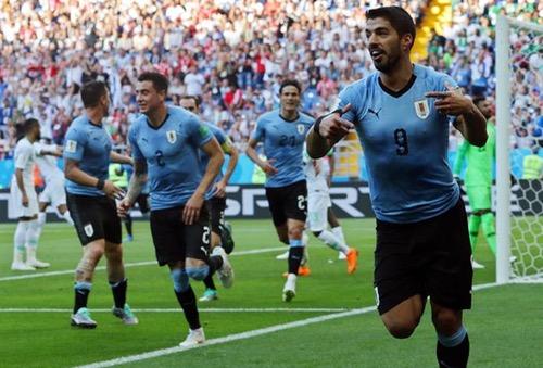 أوروغواي تحسم تأهلها برفقة روسيا إلى الدور 16 للمونديال وتطيح بالسعودية ومصر