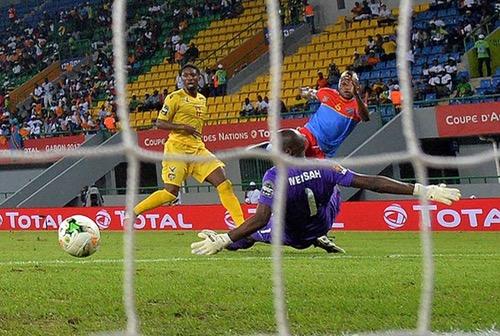 """الكونغو تجتاز توغو بثلاثية وتتأهل لربع نهائي """"الكَان"""" متصدرة المجموعة الثالثة"""