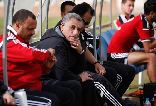 """مدرب مصر لهسبورت: ظروف """"الأسُود"""" أفضل منّا.. نقص خِبرتنا يلعب لصالحهم والمباراة ليست لـ""""الثّأر"""""""