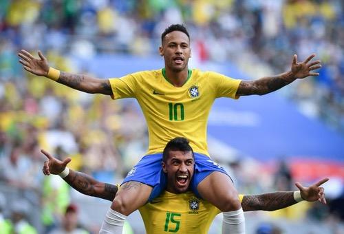 رونالدو البرازيلي: نيمار يمكنه إنهاء هيمنة ميسي وكريستيانو
