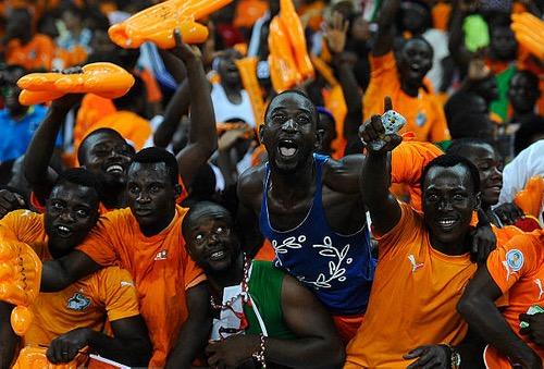 """إيفواريّون لاتحاد الكرة: """"بْعتو الماتش"""".. وتمكين المَغاربة من التّذاكر يعني منحهم التأهّل!"""