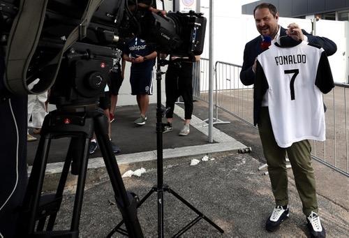 """رونالدو يحتفظ بالقميص رقم (7) في """"اليوفي"""" وخوان كوادرادو يعلن التخلي عن رقم قميصه"""