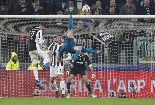 رونالدو يُعرب عن امتنانه لتصفيقات جماهير يوفنتوس.. ويعتبر هدفه الأروع في مسيرته
