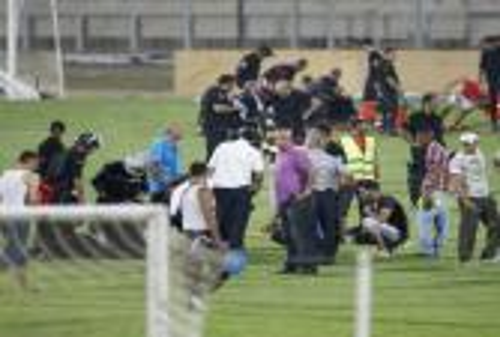 إصابة مدرب البنزرتي في رأسه خلال أعمال عنف بالدوري التونسي