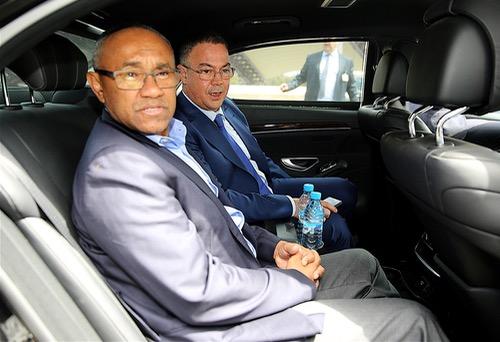 """صحف نهاية الأسبوع: أعضاء """"كاف"""" ينتظرون هفوة الكاميرون لمنح المغرب تنظيم """"الكان"""""""