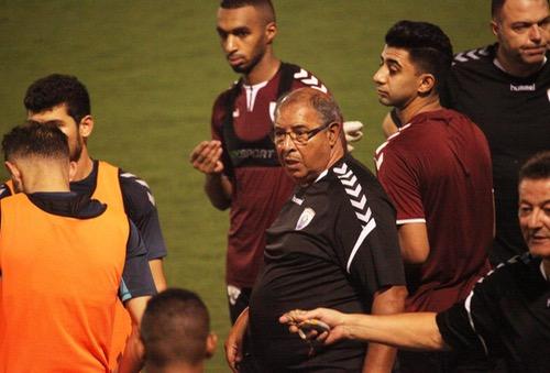 """عزيز العامري يُعاني مع """"الخريطيات"""".. ويتذيل مع فريقه دوري """"نجوم قطر"""""""""""