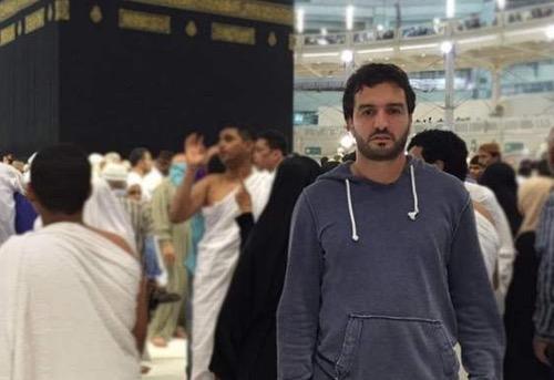 رسميا.. عبد الحق آيت العريف يُعانق الحرية اليوم ويعود لعائلته نهائيا