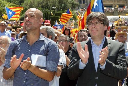 غوارديولا يهدي الفوز على نابولي لقياديين من كتالونيا معتقلين بتهمة التحريض على الاستقلال