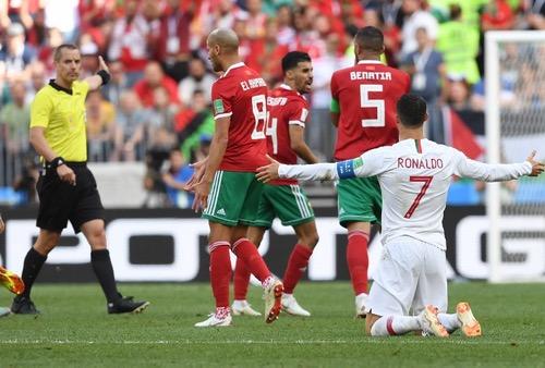 """عَقارب """"مونديال2018 أوقَفت الحُلم المغربي عند دقائق مشؤومَة بأخطاءِ صافرةٍ لعينَة"""