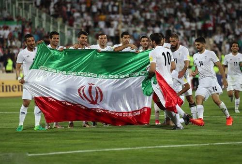 """إيران تقدّم مَوْعد مواجهتها للجزائر.. وتدقّق في التفاصيل استعدادًا لـ""""الأسُود"""" في """"المونديَال"""""""