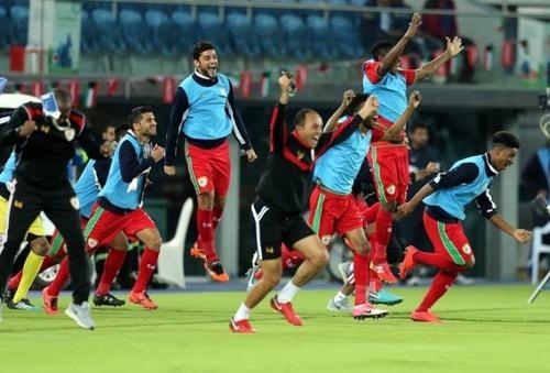 عمان تهزم الإمارات بركلات الترجيح وتتوج للمرة الثانية بكأس الخليج العربي