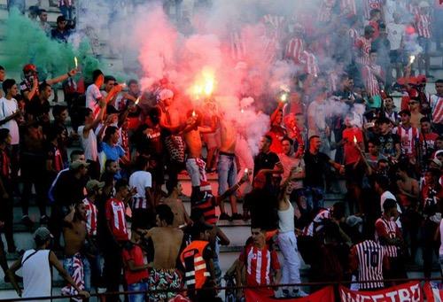 """جماهير المغرب التطوَاني متذمّرة.. خرَجت للاحتجَاج في الشوارع وتتوقّع مُغادرة الفريق """"البريميرا"""""""