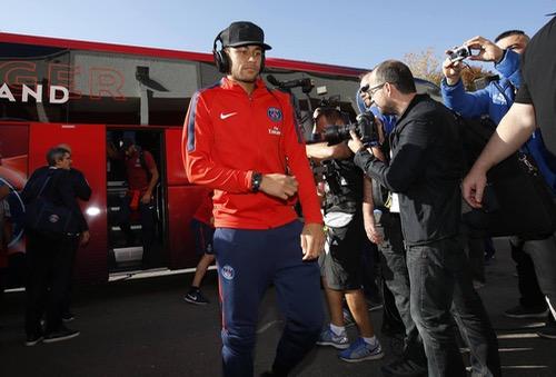 المدير الرياضي للـ PSG ينتقد حديث رئيس الريال عن فرص نيمار لو لعب للملكي