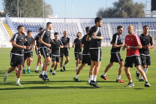 المُنتخب ينهي الثلث الأول من مُعسكر الإمارات والجالية المغربية تُحفّز اللاعبين
