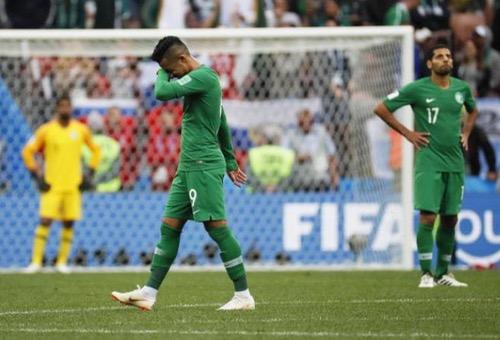 """وكالة أنباء إسبانيا: الكرة العربية غرقت شباكها بأهداف الخصوم.. و""""الأسود"""" الاستثناء الوحيد"""