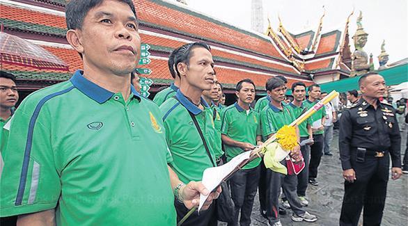 حكام تايلانديون يقسمون أمام بوذا على النزاهة
