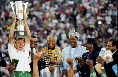 """20 عاماً على بزوغ فجر """"أولاد بافانا بافانا"""".. وحمل كأس إفريقيا للأمم"""
