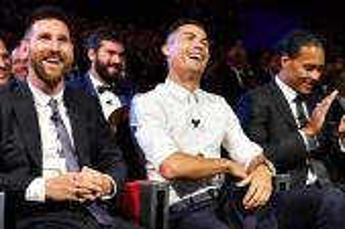 عالم كرة القدم يترقب حفل الاتحاد الدولي لجوائز الأفضل في الموسم