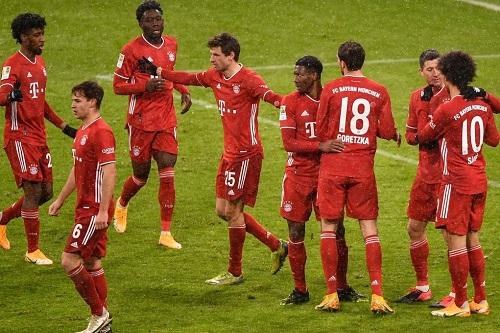 بايرن يستعيد الانتصارات بثنائية في فرايبورغ في ليلة تاريخية لليفاندوفسكي بالدوري الألماني