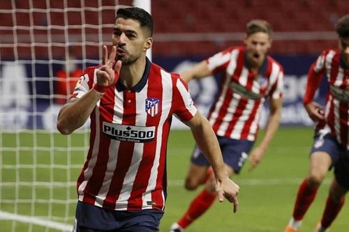 أتلتيكو مدريد يعاقب فالنسيا بثلاثية ويعزز صدارته للدوري الإسباني