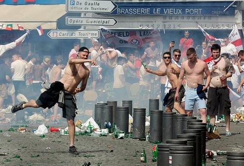 أعمال عنف وشغب في مارسيليا بين مجشعين إنجليز وروس وفرنسيين