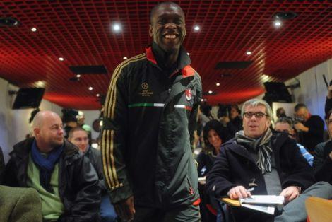 رسميًا.. سيدورف يعتزل كرة القدم ويتولى تدريب الميلان