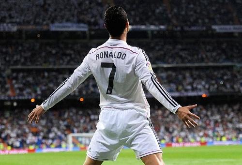 """ريال مدريد يَستعِّد لتوجيه الدعوة إلى رونالدو من أجل العودة إلى """"البرنابيو"""""""