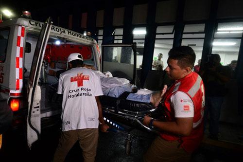 3 قتلى و7 جرحى في أعمال شغب بين مشجعين لكرة قدم في هندوراس