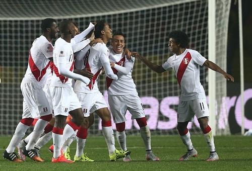 بيرو تحقق فوز مقنعا على السلفادور بثلاثية استعدادا لكوبا أمريكا